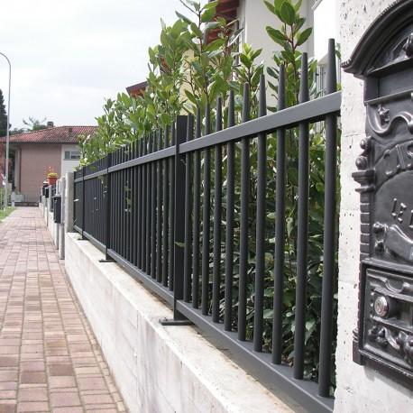 Recinzione elegante per case di pregio - Recinti per giardino ...