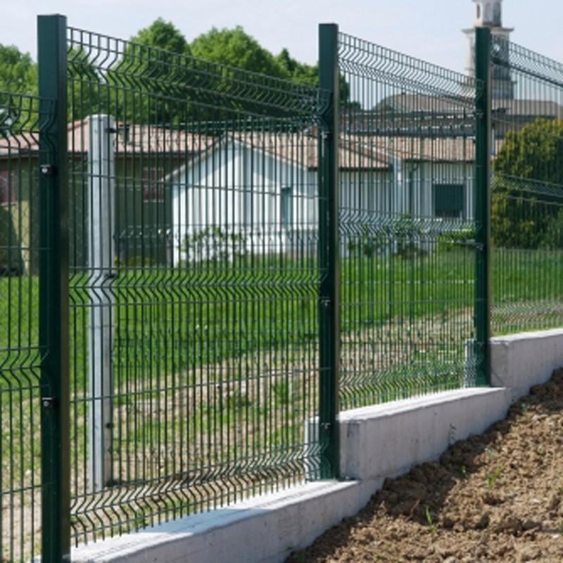 Recinzione in rete per giardini e recinti per animali for Immagini recinzioni